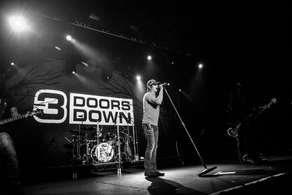 3doorsdown_051116_priti_shikotra_manchester_london_musicphotographer-7